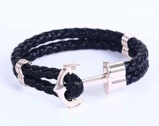🚚 Black Anchor Bracelet