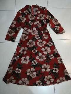 Flowery brown dress