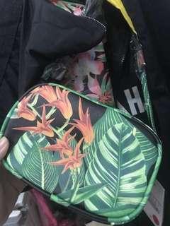 Zara basic original tropical slingbag