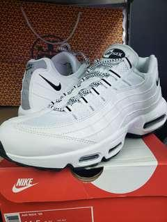 Air max 95 triple white