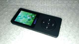 MP3 Player 8GB Ruizu X02 + Earphone