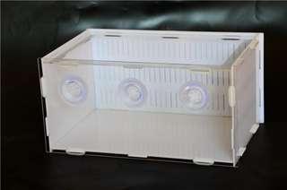 🚚 Fry isolation box