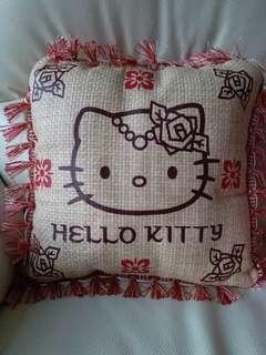 Hello Kitty 咕臣