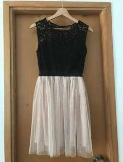 Short lace dress Forever 21, size S