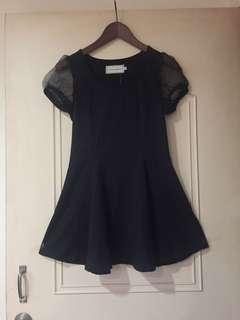 黑色短洋裝
