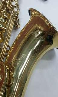 J Michael TN900 tenor saxophone