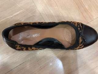 Clark's Women's Heels (Black, Leopard print)