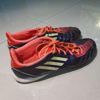 [ORI] Sepatu Olahraga Sepak Bola & Futsal Adidas F10 Ungu - Bekas / Second