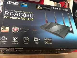 🚚 Asus RT-AC88U router used