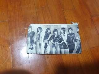 T-ara small pouch