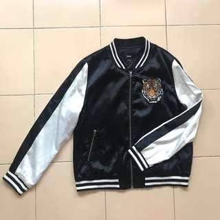 🚚 Sportsgirl Bomber Jacket