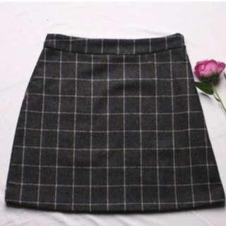 🚚 BN Navy Blue Plaid Skirt