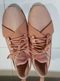 53b34a741e puma muse metal rose gold | Food & Drinks | Carousell Singapore