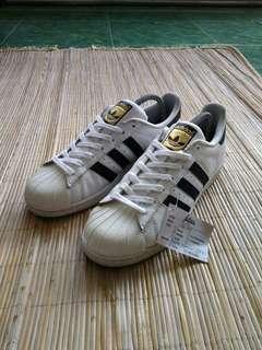 Adidas Superstar size 44