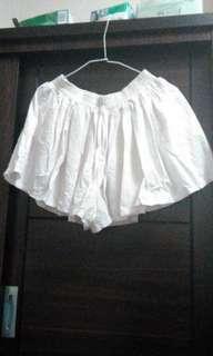🚚 白色居家褲裙
