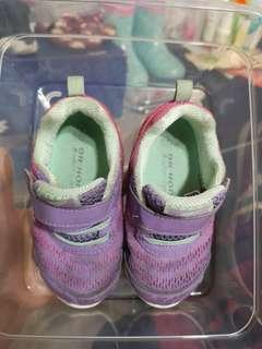 Dr Kong 鞋仔