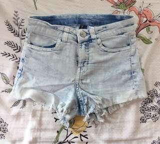 H&M 牛仔短褲