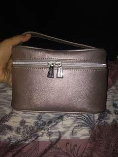 #dibuangsayang pouch make up miniso silver