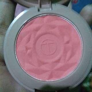O.TWO.O BLUSH ON POWDER