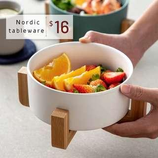 Nordic Dining Bowl with Wooden Stand