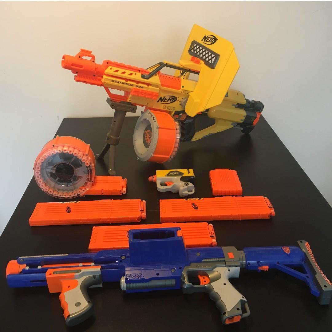 3x Nerf Guns (Stampede, Raider, Singleshooter) + Accessories + Ammo/Clips