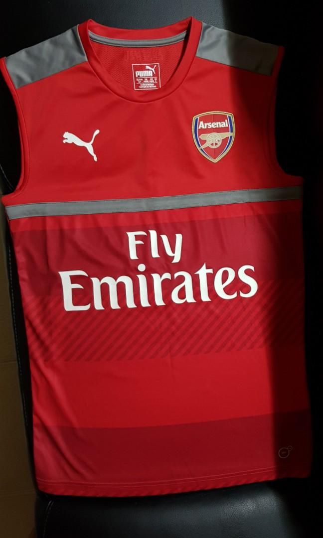 the latest 4dd3b e26e4 Arsenal Puma sleeveless training jersey size small, Sports ...