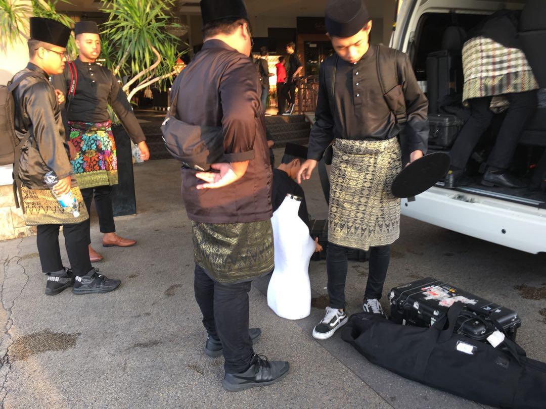 family van / airport van / klia van / wedding trip / city tour / transport / tour