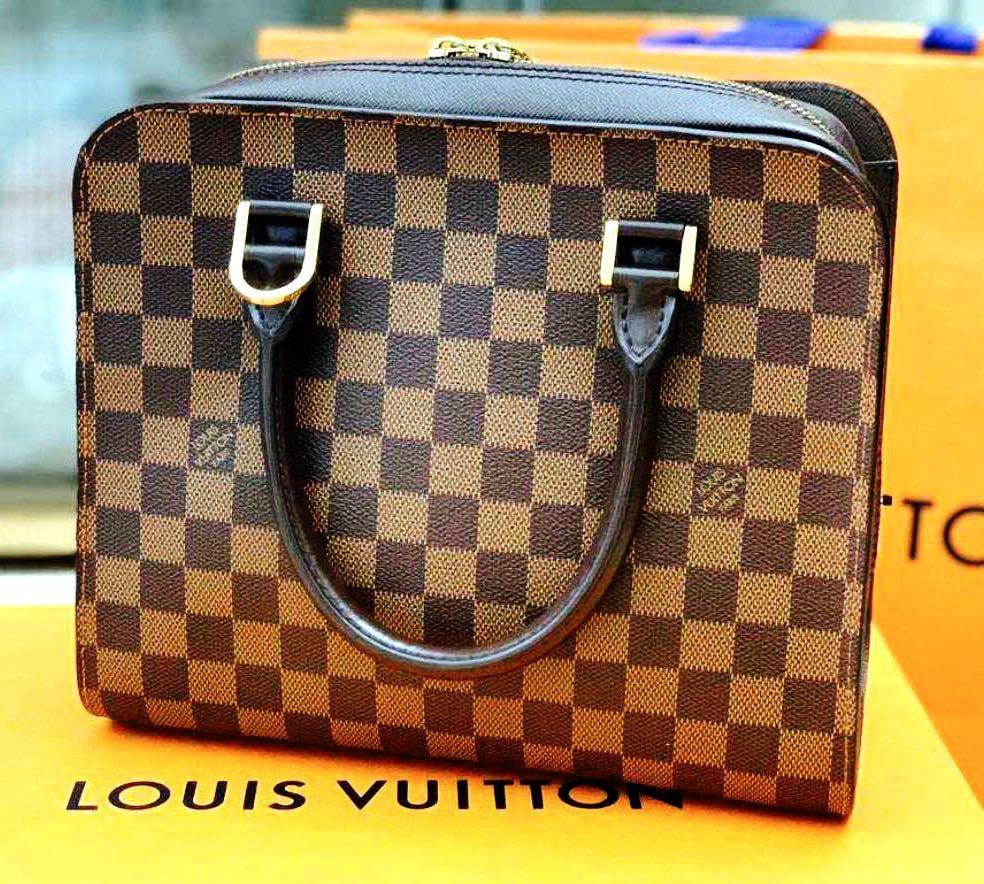 🆕👨🦱👱♀️🔥GREAT DEAL🔥 Authentic LOUIS VUITTON DAMIER EBENE TRIANA Top Handle Bag, Unisex
