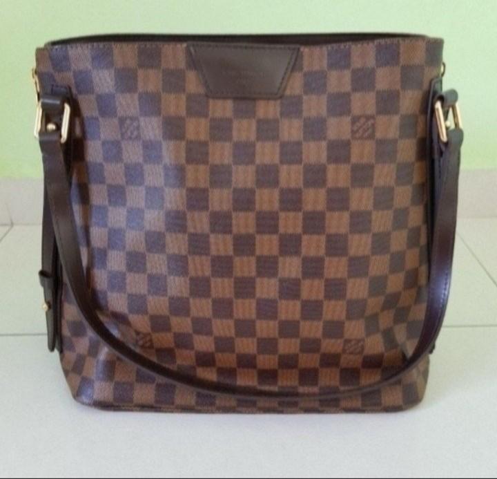9208ab472959 Louis Vuitton Handbag