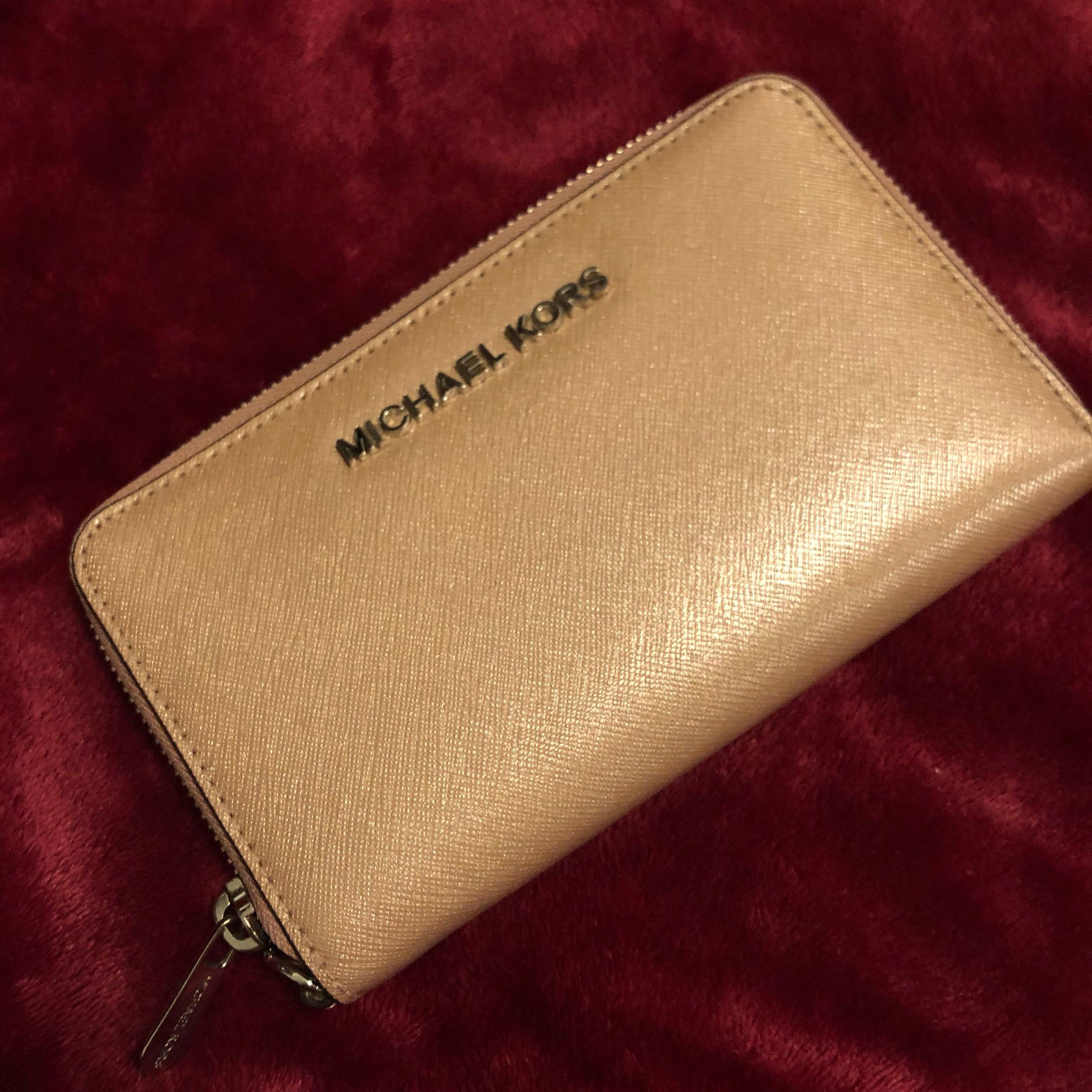 fffc1842f489 New 10/10 Pink Jet Set Travel slim Michael Kors Wallet, Women's ...