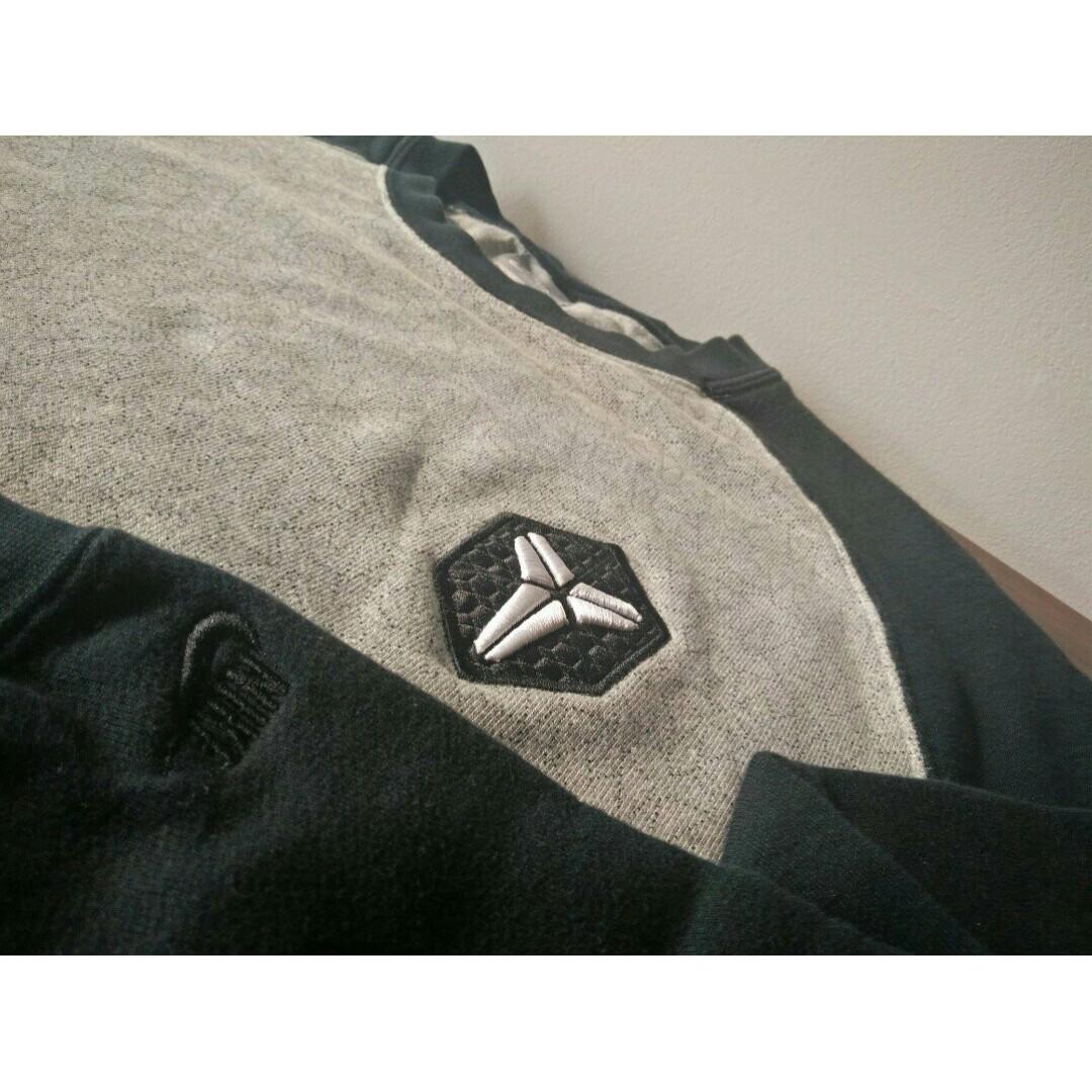 0ad538be320 NIKE Kobe Bryant Black Mamba Basketball Casual sweater