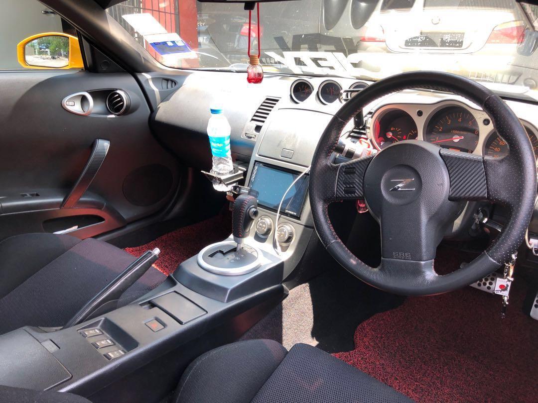 Nissan Fairlady 350z (Wide Body Rocket Bunny)