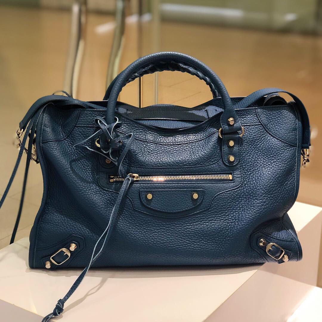 a82e7d7319 ✖️SOLD in a heartbeat!✖ Superb Deal!💙💙 Balenciaga City in Blue Calfskin  and SHW, Luxury, Bags & Wallets, Handbags on Carousell