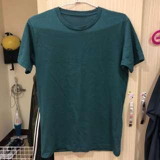 Uniplo 綠色短袖上衣