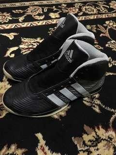 Basketball sneakers adidas 100% original