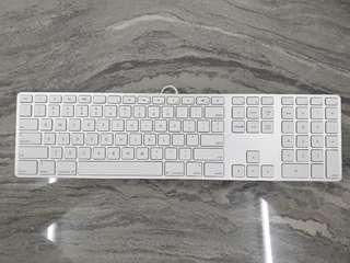 🚚 Apple Mac wired keyboard with number pad
