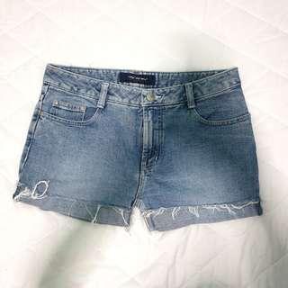 🚚 Basic Denim Cuffed-up Shorts