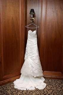 Alfred sung wedding gown can fit s-m