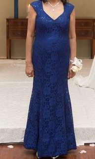 All lace gown V-neck, cap sleeves Zips in back Color royal blue, size m used once for wedding