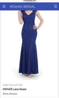Cindy u.sa. All lace gown V-neck, cap sleeves Zips in back Color royal blue, Size m used once