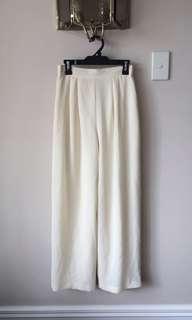 Magichollow white/cream pants