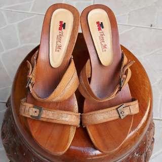 heels coklat