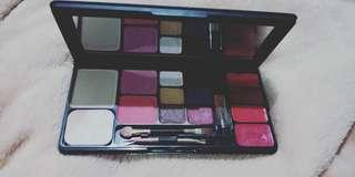 Make Up Kit Viva