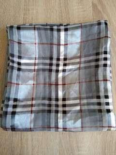 burberry scarp square style