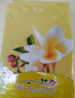 Sarung bantal motif bunga merk ladyrose