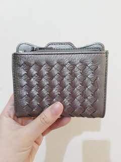 Henaya wallet bronze