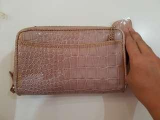 Clarks Wallet - with Sling