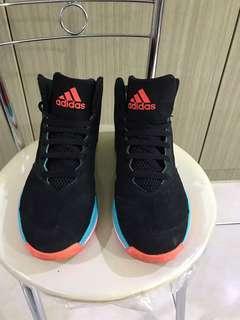 🚚 adidas 男 籃球鞋