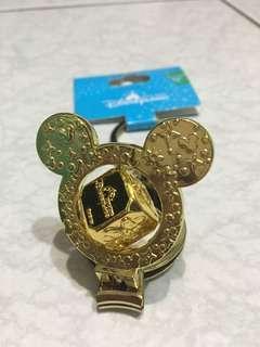 🚚 Disney 迪士尼樂園 米奇指甲剪鑰匙圈 指甲刀 金色