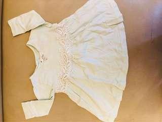 Baju baby ada defect di foto ke 4 beli di morher care